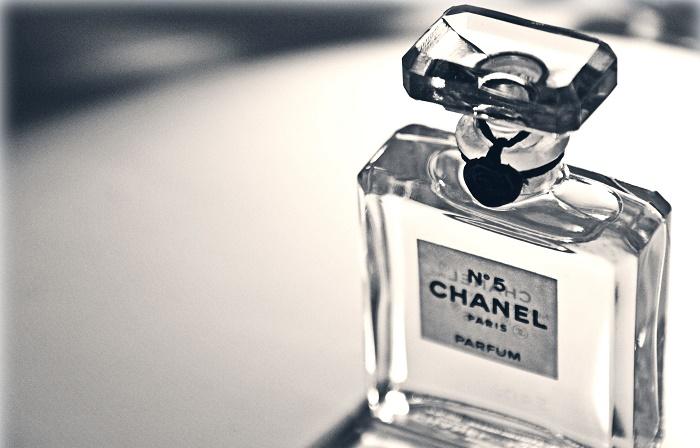 nuoc hoa Chanel No5, lo nuoc hoa dau tien tren the gioi